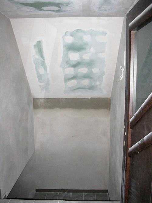 Ściana nad schodami