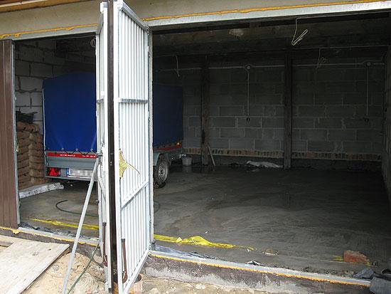 Wylewka w garażu ze spadkiem