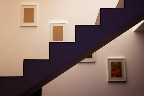 Obrazy nad schodami